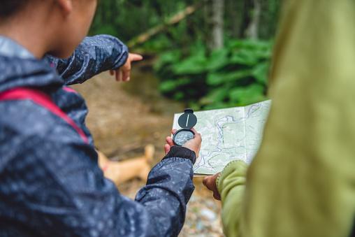 L'importance d'une boussole en randonnée
